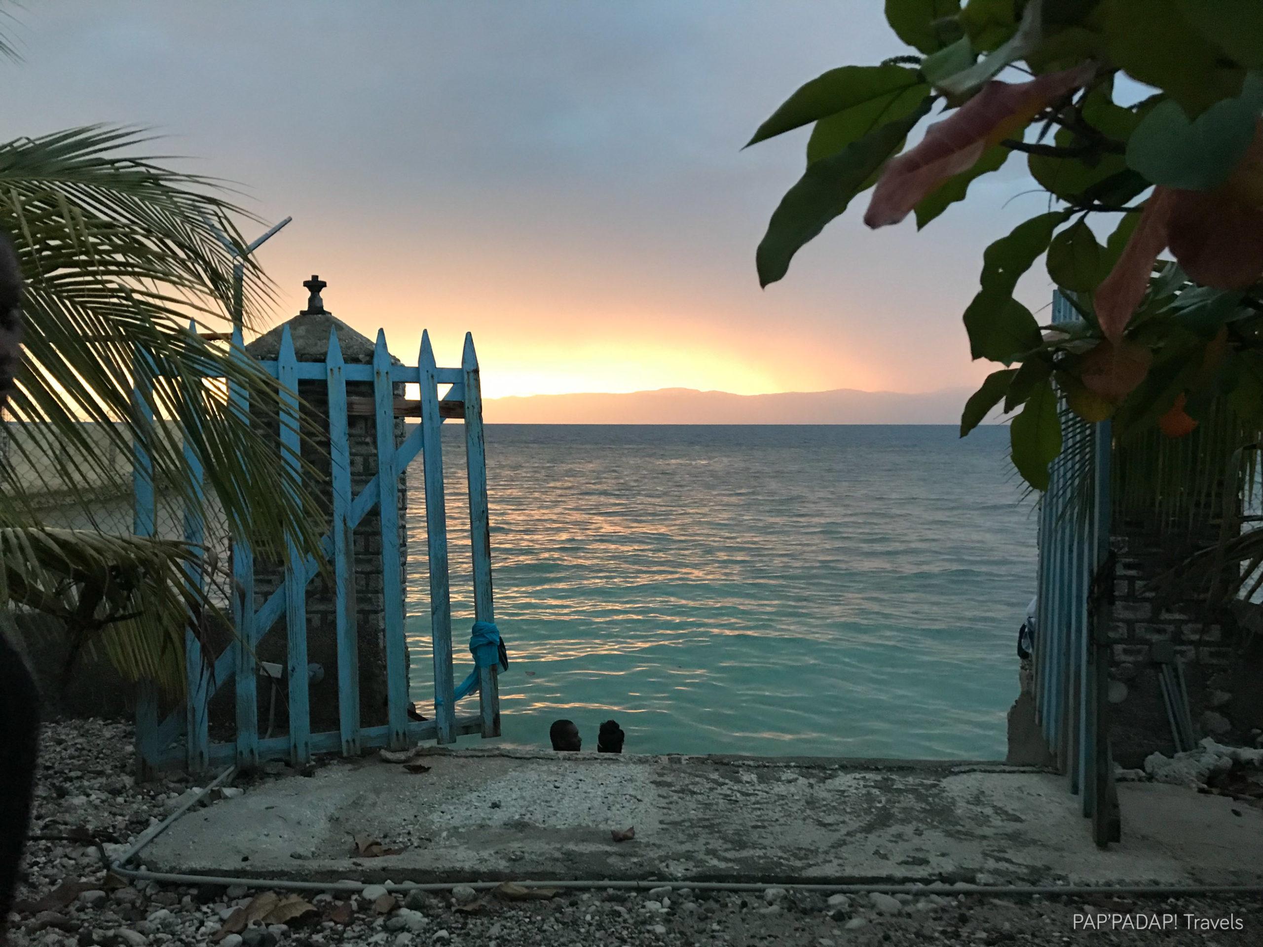 Vendeurs de tableau - Plage Raymond les bains - Sud Est - Haiti