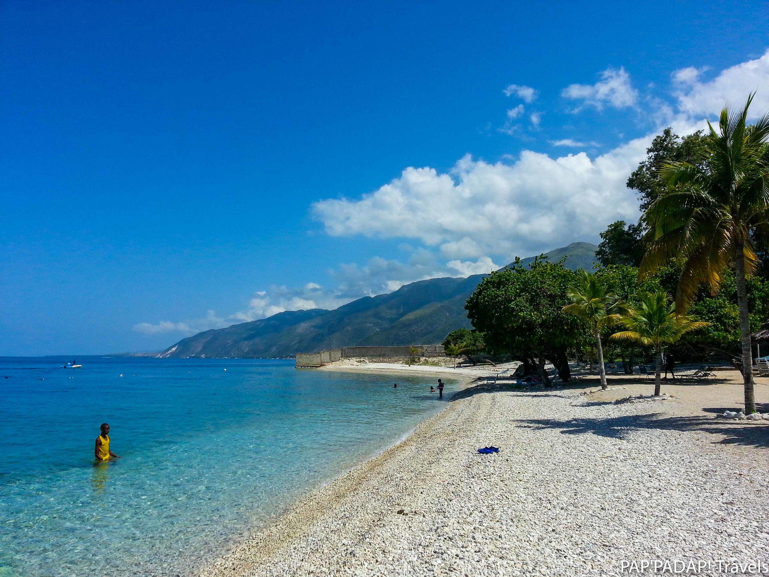 Plage Arcahaie palmiers - Haïti - PAP_PADAP! Travels